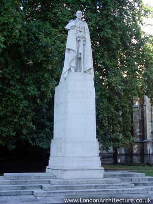 Stock photo of George V Statue, London