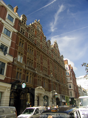 97 Saint Martin's Lane in London, England